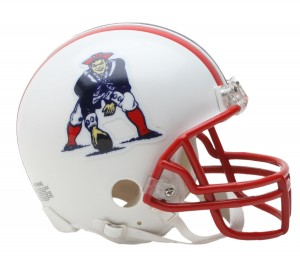 New England Patriots 1990-1992 Throwback Replica Mini Helmet