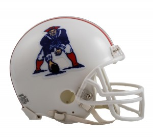 New England Patriots 1982-1989 Throwback Replica Mini Helmet